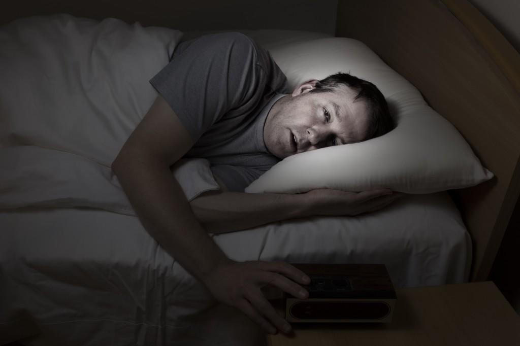Часто бессонница является симптомом более глубокой проблемы: потом был сон, когда темно и понимаешь, что пипец, ничем не можешь пошевелить, пытаешься, но не можешь.